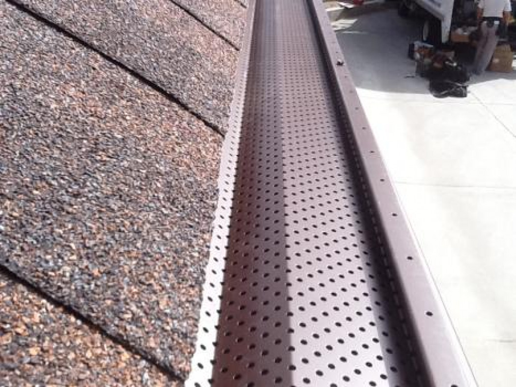 Gutter Cleaning in Hemet CA and Riverside County CA